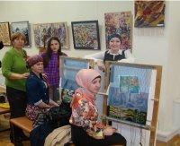 Выставка в рамках празднования 70-летия Великой Победы проходит в выставочном зале Союза художников РД